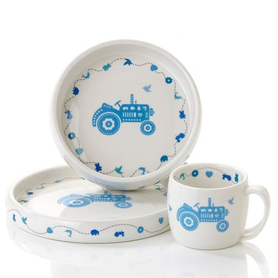 Servise i porselen Pia&Per. Blå traktor -8070