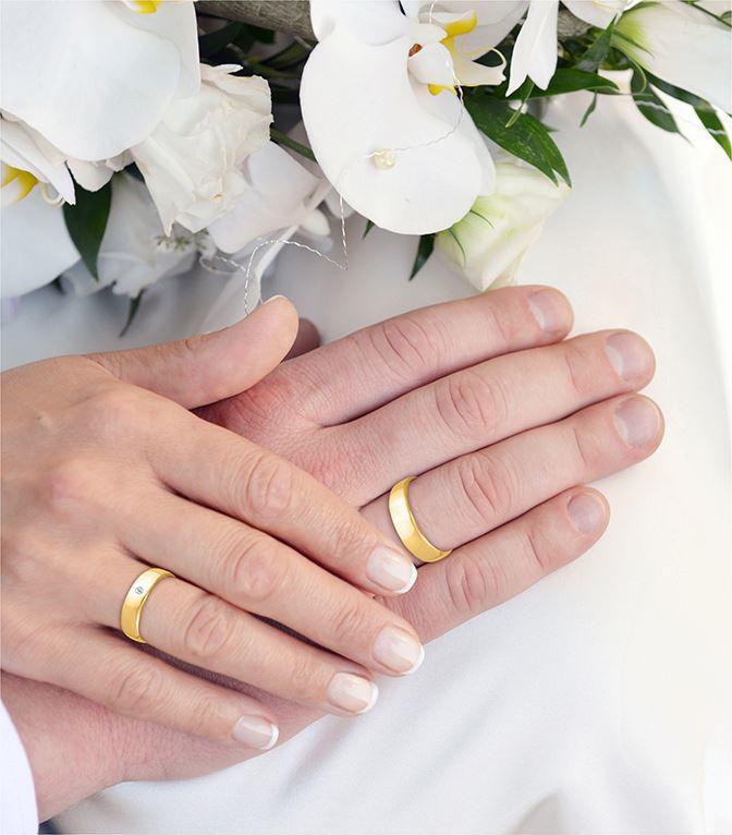 illustrasjon med hånd av gifteringer - 145003