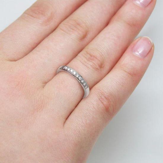 illustrasjon med hånd av gifteringe -110346399