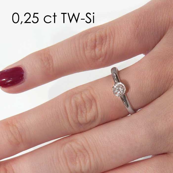 Enstens diamantring med 0,30 ct i 14kt gull. TW-Si.
