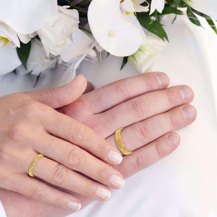 illustrasjon med hånd av gifteringer -230305