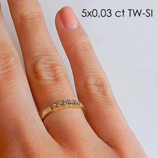 illustrasjon med hand av diamantring –85050300