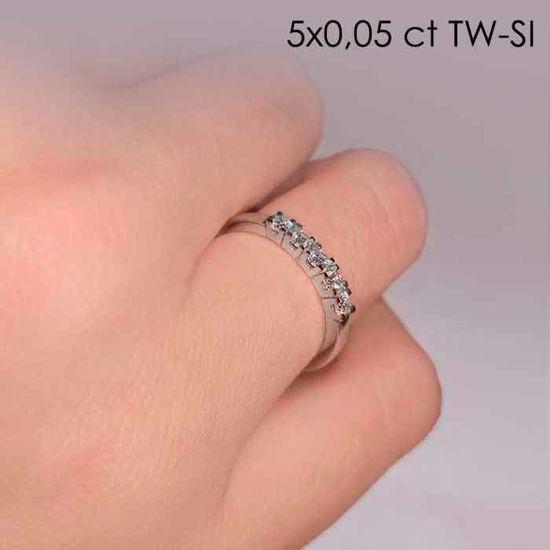 illustrasjon med hand av diamantring – 8505050