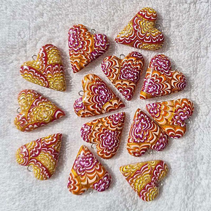 Hjertesmykke Krysantemum, burgunder og oransje, håndlaget -28020697