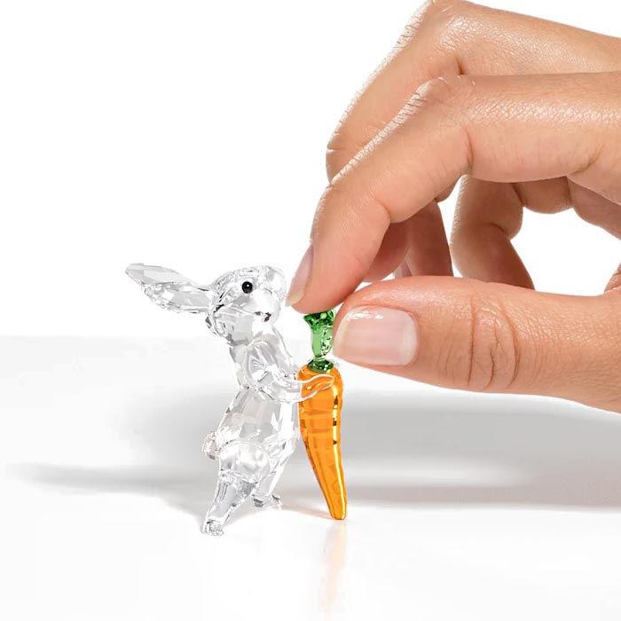 Swarovski figurer Rabbit with Carrot - 5530687