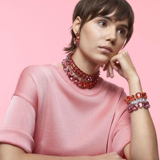 Swarovski øredobber Chroma hoop earrings Pink, Gold-tone plated - 5600895