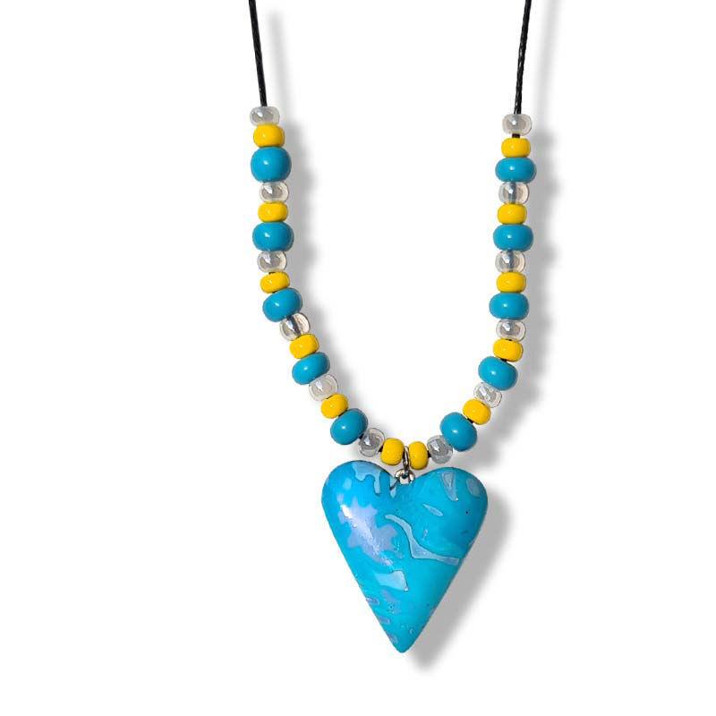 Håndlaget Collier med hjerte, blå og gul farger. -280207475