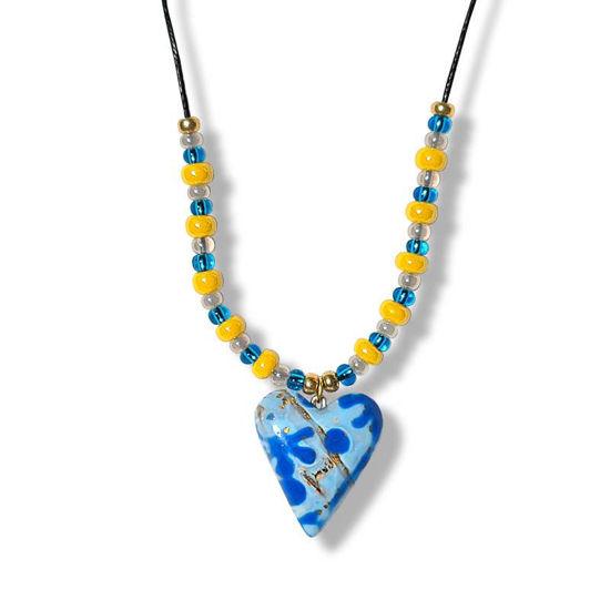 Collierhjerte med Lyseblå og mørk blå farge, med glassperler -280207477