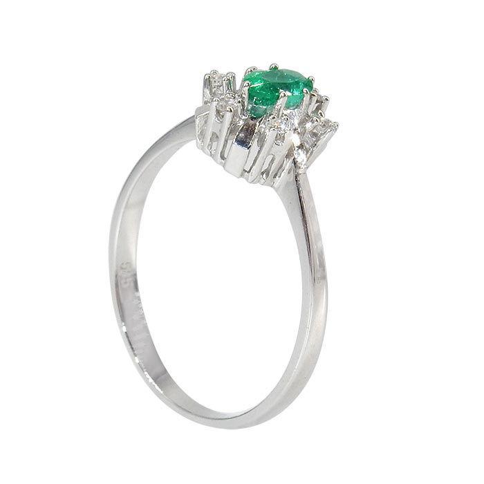 Diamantring i gull 0,06 ct W-SI og smaragd-70286